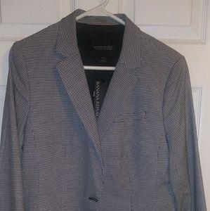 BR Black and white blazer size 10